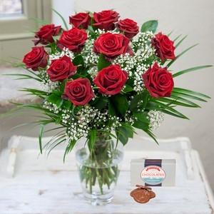 12 Roses Free Chocs