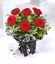 6 Deluxe Red Roses